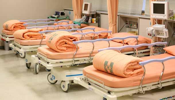 護理師夜巡病房「驚見床震」!掀被驚見病患「經典傳教士」男上女下,她:「神雕」還沒進來!