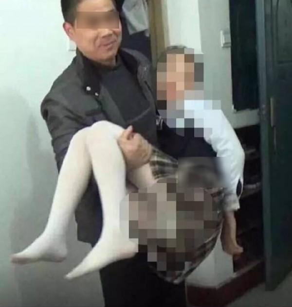 「每次都用用身上的那一根插她」男子利用狗狗「誘騙性侵小六女童」,母發現「內褲有異味」揭發狼鄰居