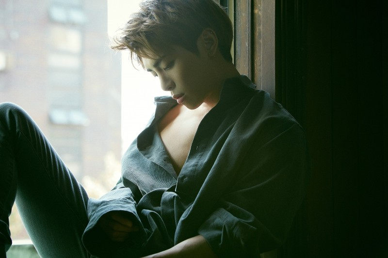 鐘鉉被最愛的「它」傷害絕望輕生!友人曝「他沒安眠藥無法入睡」:一直都很痛苦...