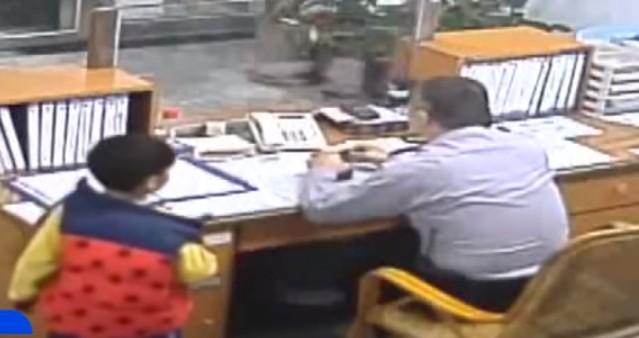 因為老師這樣教!南投小一男童「路邊撿到厚實錢包」直奔警局,16萬完整歸還「台灣還是有救!」