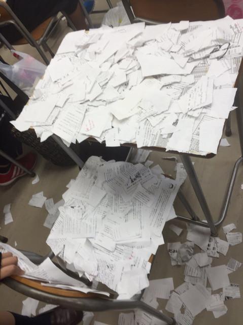 高中女「自殺前」課堂照曝光!「一張碎片照片」透露非死不可內幕