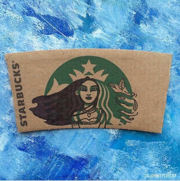 藝術家把星巴克杯套上女海妖畫成「迪士尼超人氣角色」!花木蘭、史迪奇毫無違和感!(23張)