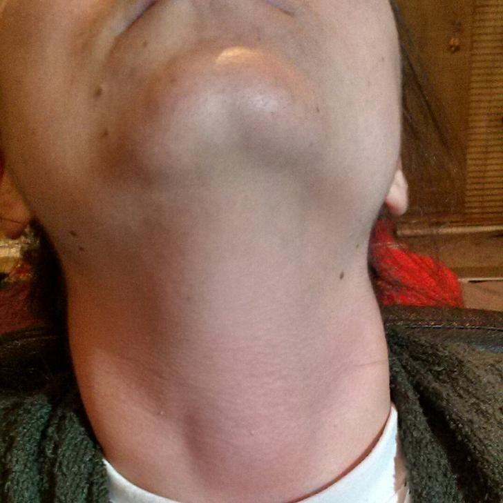 18張會讓人「莫名感到害羞」的超正常照片!這個人的下巴也太猥瑣了...