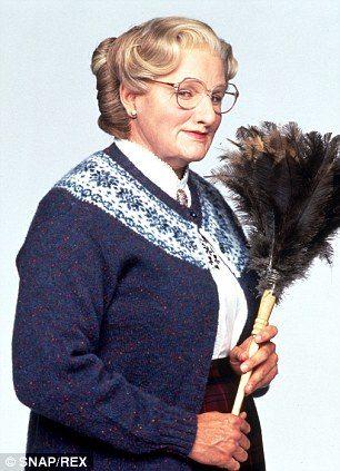 羅賓威廉斯榮獲網友票選「史上最好笑喜劇演員」,曾打扮成《窈窕奶爸》到情趣用品店買「雙頭龍」整店員!
