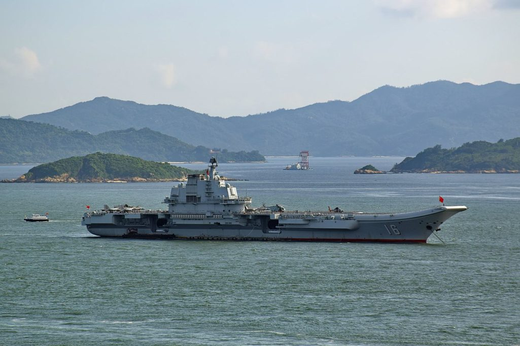 台灣最大幫手?!中國航空母艦未出征就「被水母屌打」嚴重癱瘓,發明出超血腥「水母切碎機」!(影片慎入)