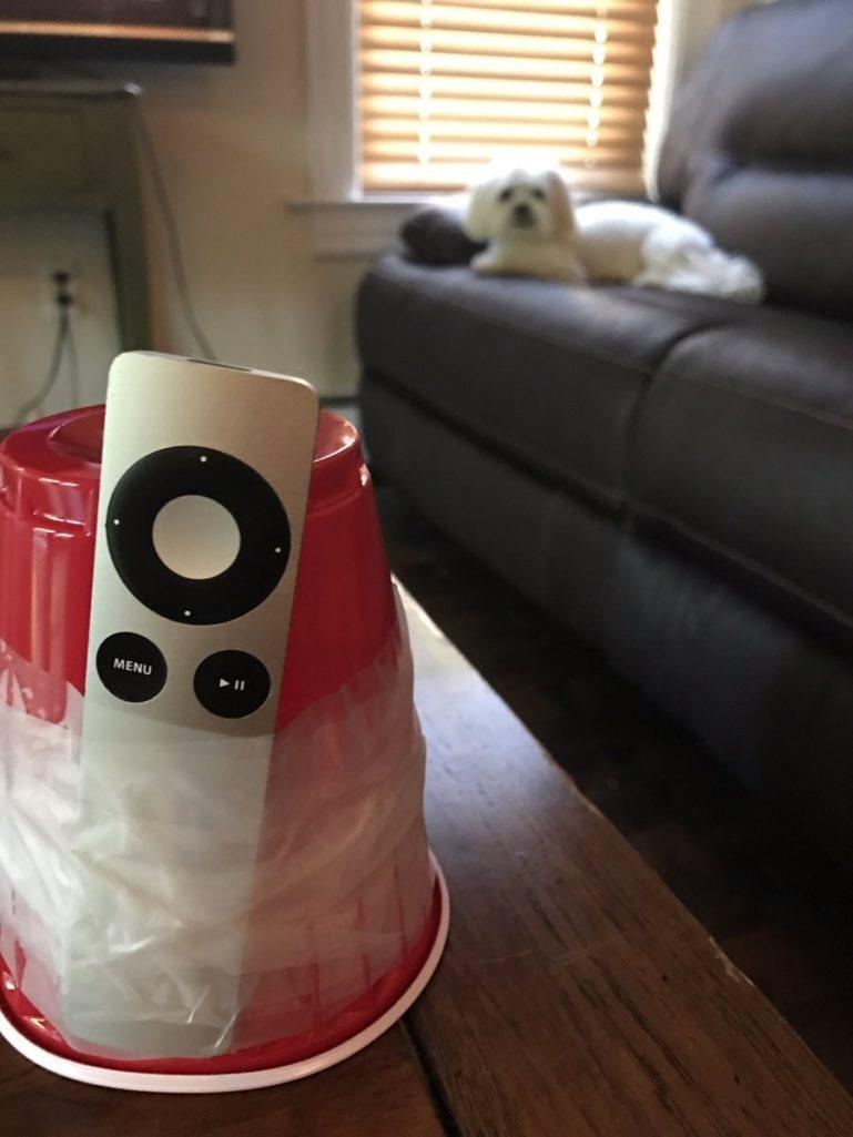 22張可以讓家庭不再破碎的超完美「遙控器再也不會玩躲貓貓DIY法」