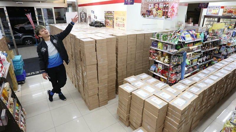 蔡阿嘎一口氣寄4千件貨「超商直接加班到半夜3點」!自豪能「申請金氏世界紀錄」