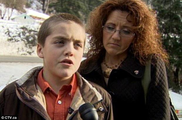 1歲半狗狗「搏鬥美洲豹」誓死保護9歲小主人!確認主人平安後倒地不起「英勇傷疤」感動全網!