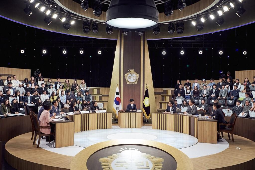 地表最狂綜藝節目!南韓《無限挑戰》邀5議員+200位民眾提法案「成功改變保護受虐兒童法律」!