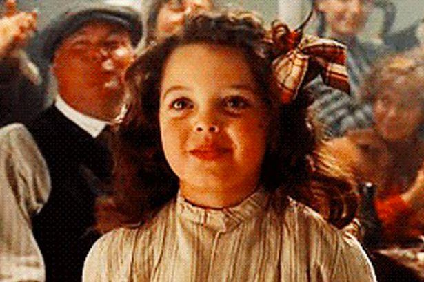 《鐵達尼號》讓「傑克迷上的小女孩」長大了!20年後的她將成為「超正編劇」!
