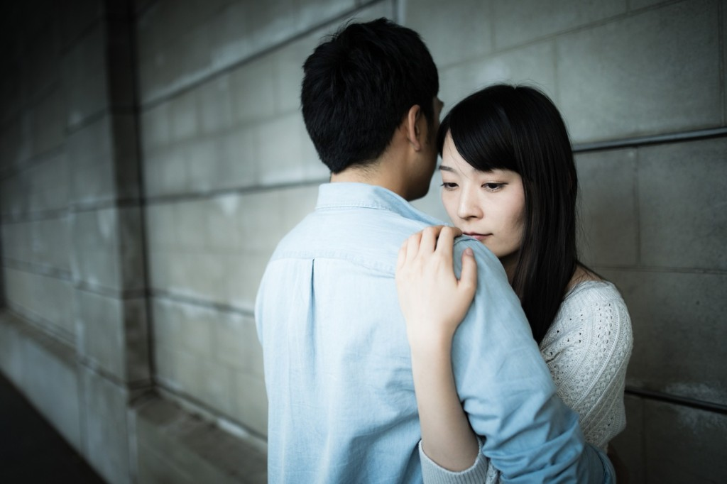 他婚禮上巧遇交往3年女友,雙方家長說出「一樣的阿祖名字」...他崩潰:我們週四才上床的!