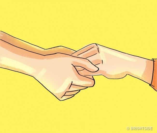 21個肢體語言解讀法教你如何「扒開對方的假面」任何心思都瞞不過你