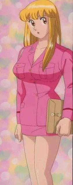 日本推出超犯規「泳裝版秋本麗子公仔」,網友「邪惡視角開箱」色氣滿滿