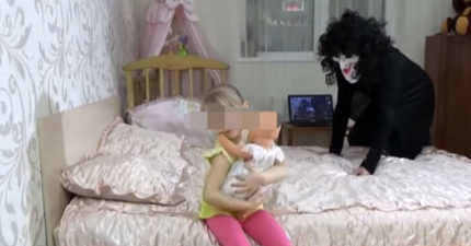 Youtube黑暗處搜尋「艾莎傳送門」超可怕!他知道「公司高薪秘密」後慘被離職,曝:一群變態正鎖定你們的孩子!