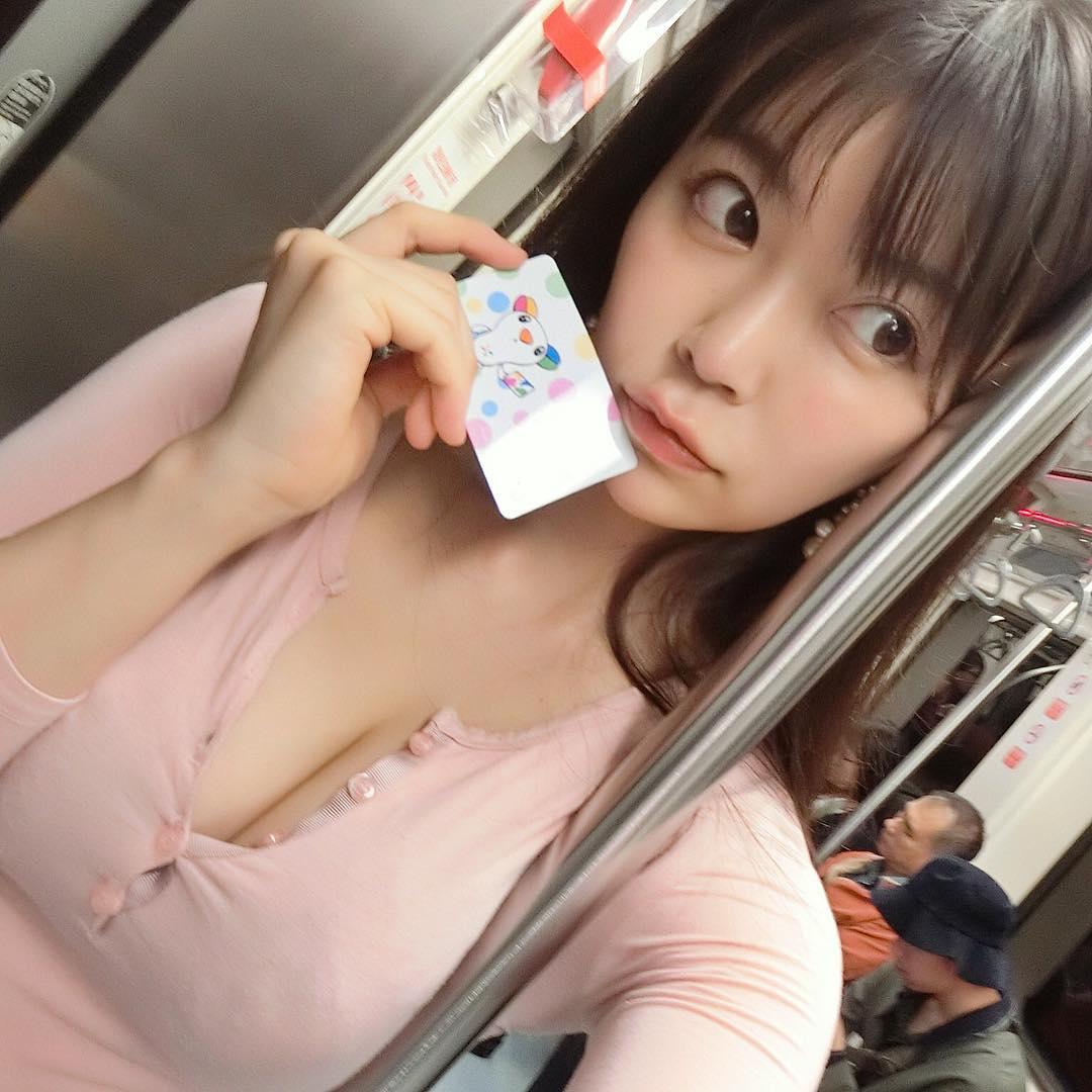 H奶日女星嗨領「台灣工作簽證」,「身體比101猛」曬火辣翹臀曾自曝「就是愛暴露」!