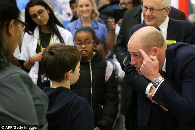 不想再被笑禿頭!威廉王子頂「全新亮眼髮型」出席活動,花7千多元讓自己更性感!