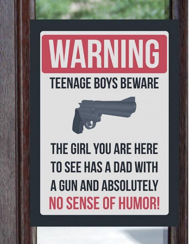 15個兇到「光看到就嚇跑女兒男友」的過度保護老爸 去坐牢的 來過夜是吧...蓋上避孕毯!