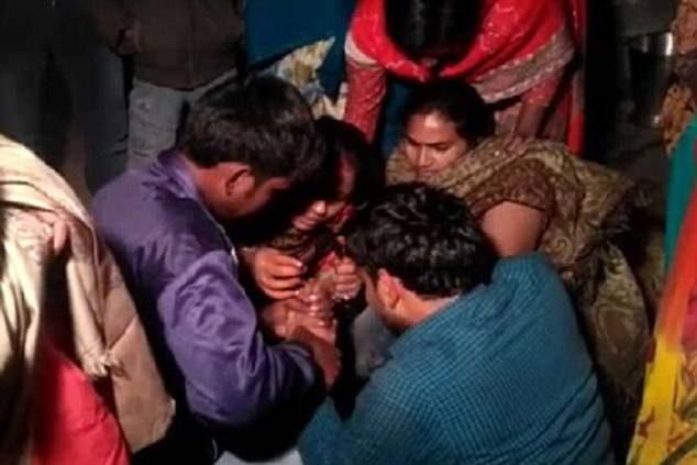 婚禮男賓被「拿槍綁架逼婚」迎娶「素未謀面新娘」崩潰大哭,女方家人:又不是要吊死你!