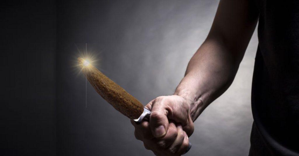 老婆常拿來用,他嚇慘!網友分享他家獨有「大便刀」全家共用:不是很正常嗎?