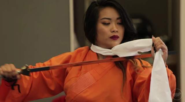 花木蘭用劍削髮可行嗎?她拜師學藝「拿龍劍親自上陣」真人實驗給你看!(影片)