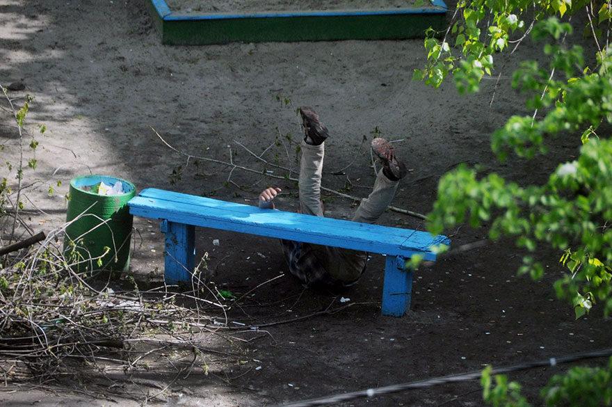 16張他花了10年拍同一張公園長椅「看到人間冷暖」!最後一張看到人間悲劇