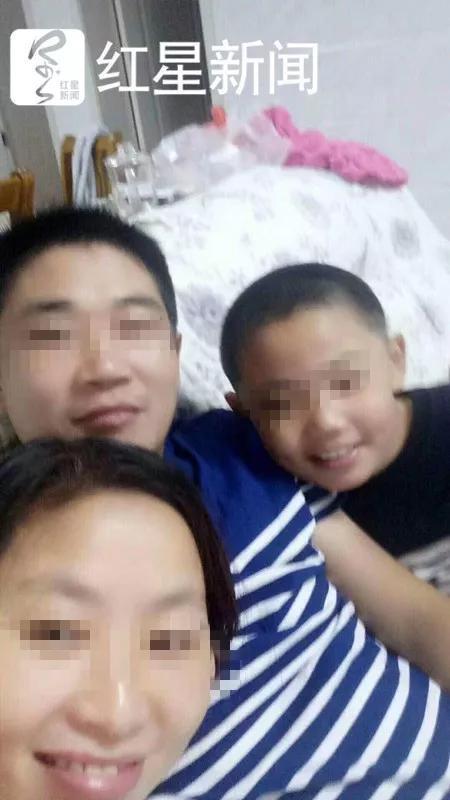 9歲兒弄丟手機被媽媽木棍爆打「晚上6點打到11點」活活打死!隔天手機現身了...爸爸悲慟:很快來陪你