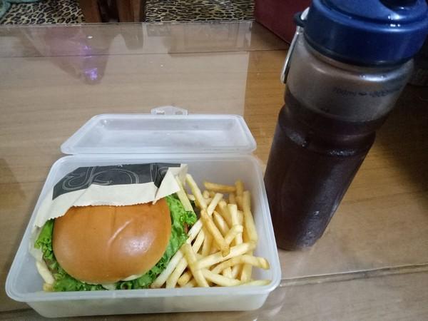 愛地球自備餐具吃麥當勞卻被「異樣眼光對待」!不舒服PO文抱怨,網軍推爆安慰:超有創意!
