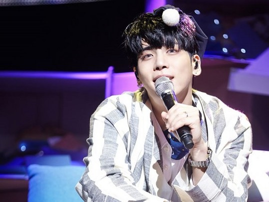 鐘鉉生前「最後經典遺作」慘被KBS電視台禁播,只因為唱出「一句關鍵數字歌詞」歌迷震怒!