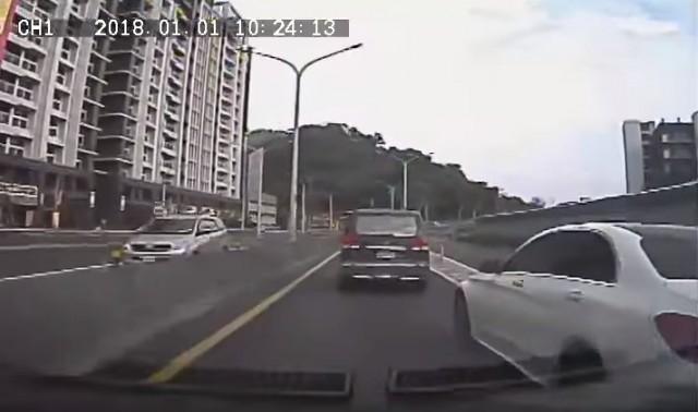 他開車遇屁孩「開槍+三字經」,報警「懷疑被吃案」卻出現逆轉