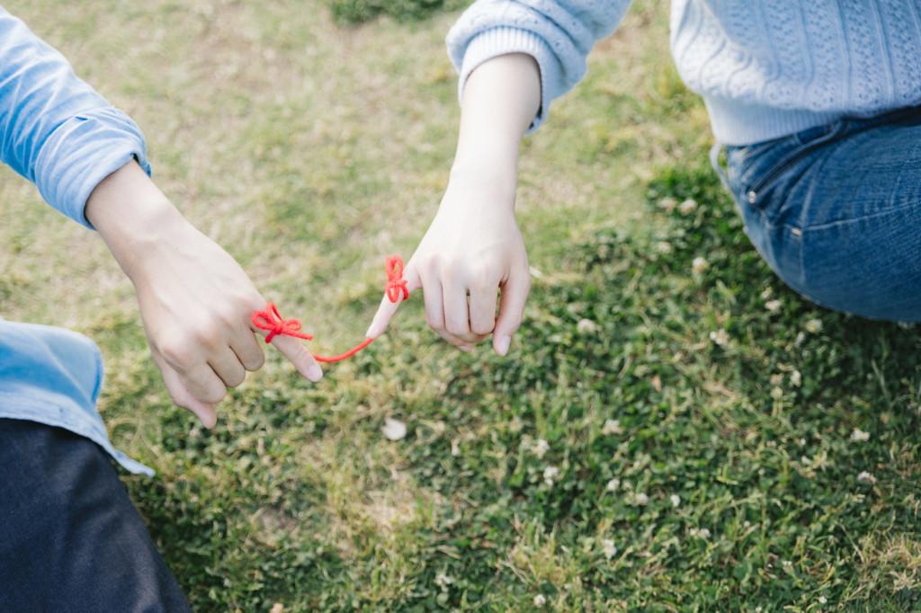 她搭公車月經「順著大腿流下」,旁邊男孩竟把草莓牛奶灑她身上「事後卻超級感謝!」