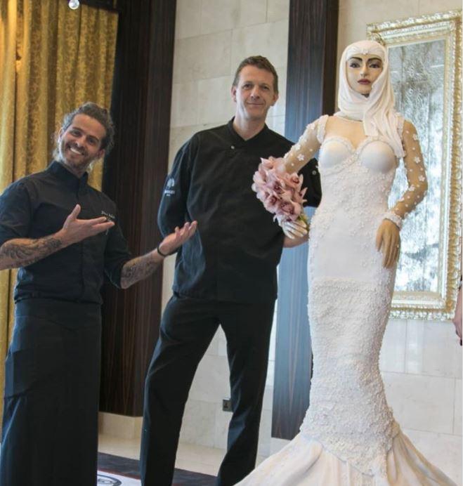 設計師打造「可食新娘」6人才能搬動看後面細節太瘋狂,天價材料「咬一口就虧到死」!