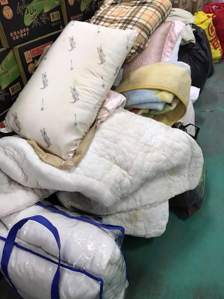 花蓮志工收捐贈物資崩潰,沾月經棉被、發霉枕頭「這是某些台灣人善心象徵?」