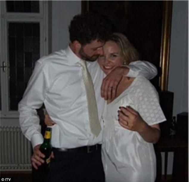 女子旅行時「愛上流浪漢」兩人一見鍾情互許終生,婚後才發現他是超級績優股!