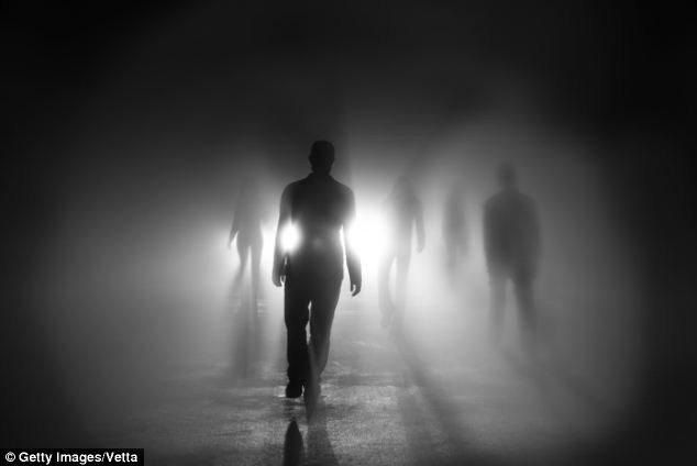 6個從鬼門關前走回來的人告訴你「死亡後會發生什麼事」!他:看到死去的哥哥說「他們馬上就要到了」