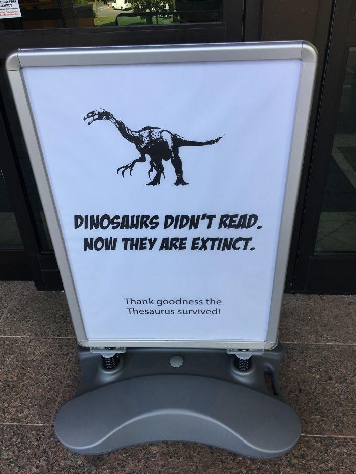 20張來自圖書館員「超有內涵惡作劇」的搞笑宣傳!