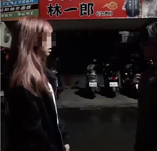 新莊中二少女「輪流打65個巴掌」,還先「幫忙撥頭髮」13歲受虐女乖乖領懲罰...網友怒氣暴衝!