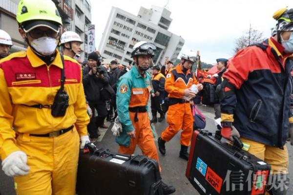 「我們資源很夠!」蔡英文拒絕所有「國際援手」,唯獨放日本救難隊近台灣「因為他們有別人沒有的儀器!」