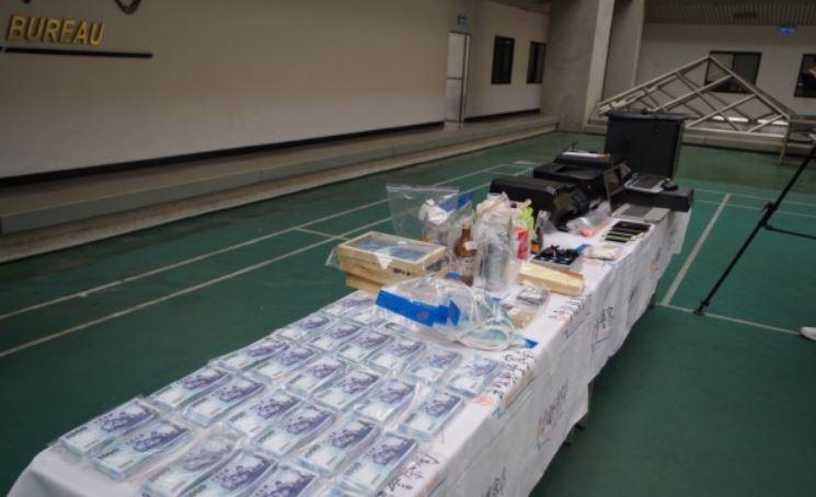 台灣市面驚現35萬元偽鈔,要小心「這十幾個編號」!警方公佈「辦認偽鈔方法」