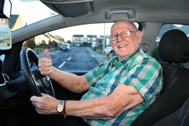 「以前都是她載我!」79歲老翁「重返駕訓班」為了考駕照能接送中風老婆去醫院!