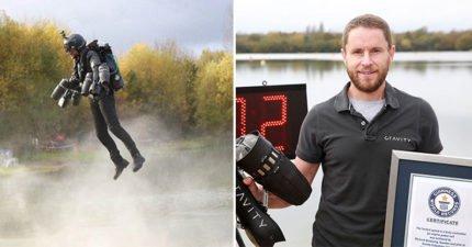 「鋼鐵人」真的存在!真實版「鋼鐵人飛行裝」完美空中飆速,0:47「直接啟動升空」比電影更帥氣!(影片)