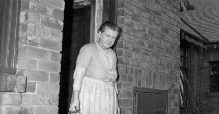 這名阿嬤的3代丈夫都是「自然死亡」,60年後「她發表對三明治的感想」讓超毛真相曝光