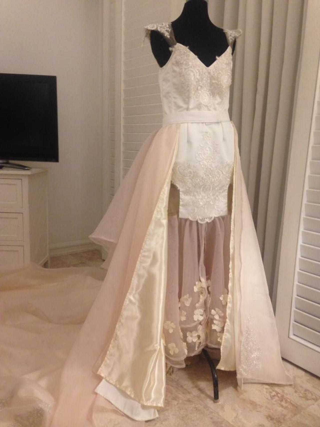 準新娘花2萬請設計師朋友打造「夢想公主式婚紗」,一打開驚現「移動型蚊帳」崩潰:要怎麼辦...