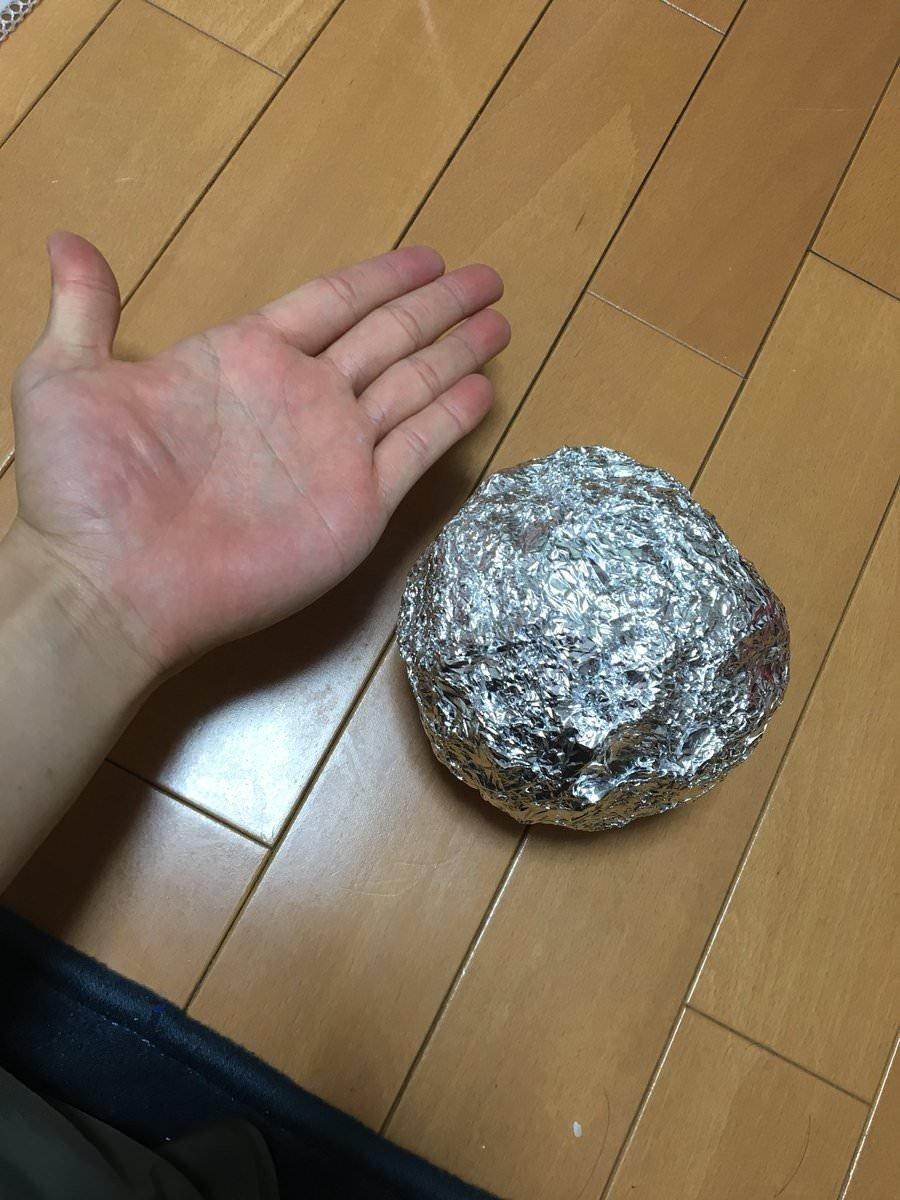 網紅都在瘋「在家打鐵」!只要一個禮拜「鋁箔紙→閃亮鋁球」...成就+療癒感滿滿(7張)