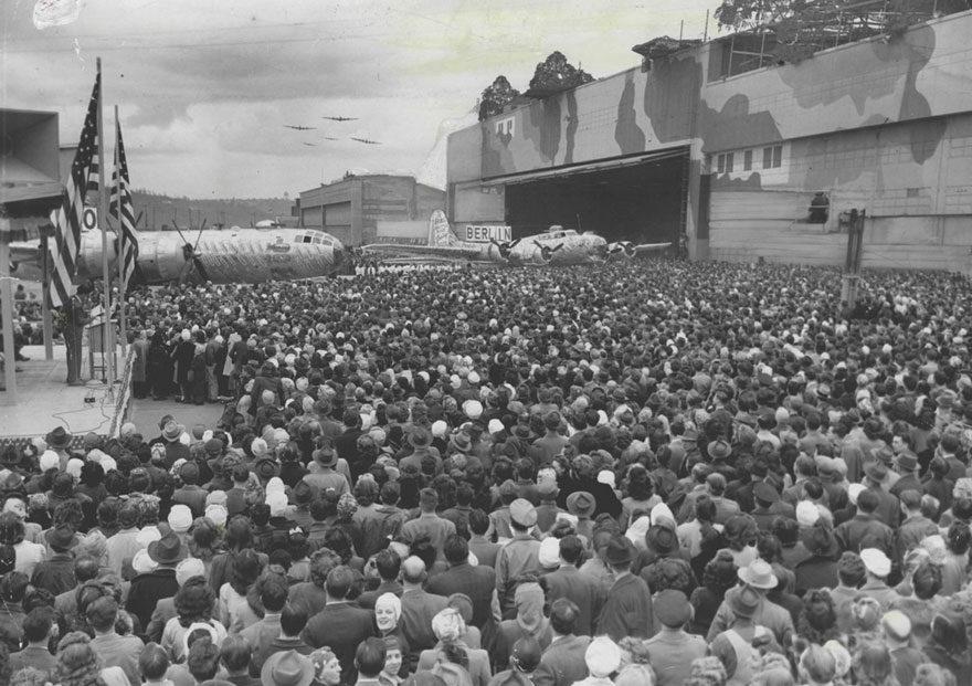 美國人二戰時期有多可怕?一整個小鎮「全假的」下面暗藏絕世機密
