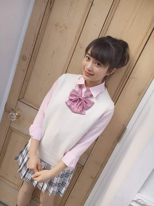 日本最可愛女高中生!「超甜美虎牙正妹美少女」擄獲全日本心,「私下服超美」讓鄉民都戀愛了!
