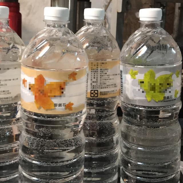 又一家黑心商!回收舊礦泉水瓶「裝自來水」爽賣10年,警公佈「唯一方法」區分真偽!
