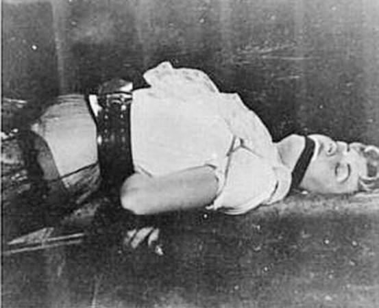 他假裝攝影師「綑綁姦.殺小模」拍下數百張死前絕望神情,最後一名受害者「靠觀察力機智識破」讓毒氣送他最後一程(圖片慎入)