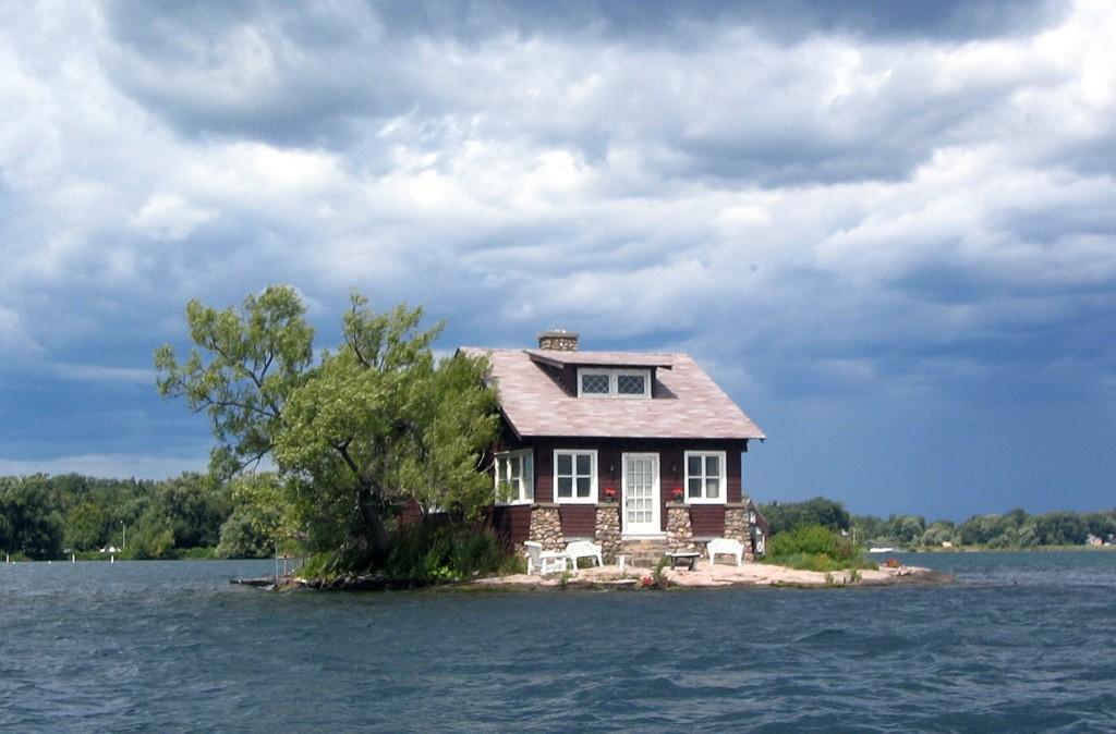 7個「安靜到只能聽見自己呼吸聲」的邊緣人居住地 整個島只有一棟房子!