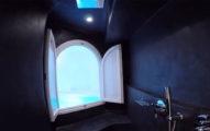 飯店浴室驚現「神秘通道」 一走進去「美到死而無憾了」