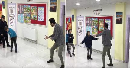 根本教錯科系!老師跟學生超帥「尬舞Battle」